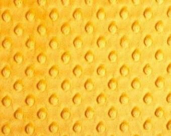 Tissu minky  velours pois  mangue au coupon
