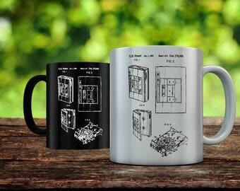 Toshiba Walkman Patent Mug, Cassette Player, 80's Art, Cassette Tape Player, Retro Radio, Music, Technology