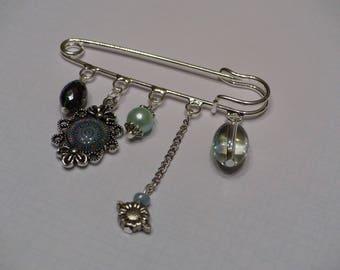 Mandala cabochon brooch
