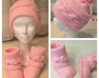 Set hat and booties for girl
