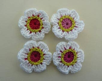 4 white flowers crochet - pink, red and lime green heart (4 cm)