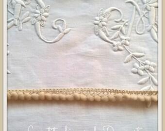 Lace linen tassels