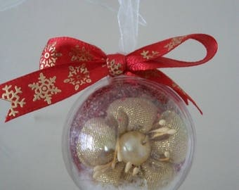 6 balls at the Golden Flower, Christmas tree decoration