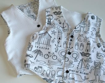 Child vest in white cotton, reversible and Navy print. Hand made vest of ceremony