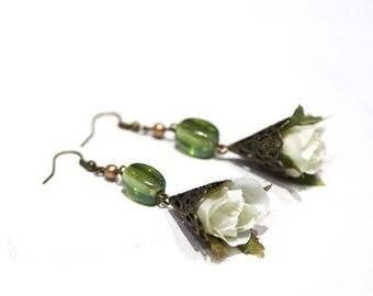 Earrings romantic white flowers