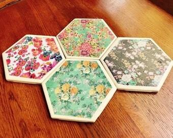 Chic, Floral, Coaster set. (Set of 4.)