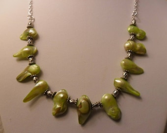 Very original NECKLACE, 46cm, freshwater cultured pearls, silver chain