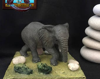 ELEPHANT on decoration made with stones from the ile de Ré of Corsica, Camargue and the Opal Coast. France