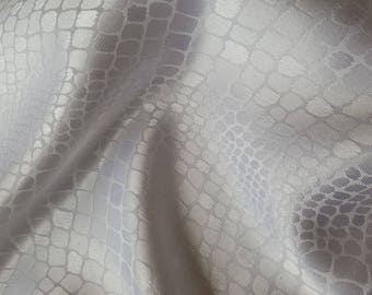 fabric satin way scales white 25 x 140 cm