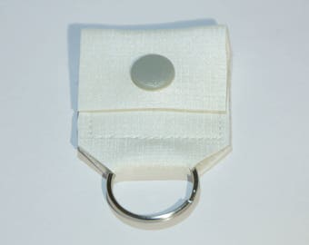 Chip holder and the gray button cream-colored leather keychain