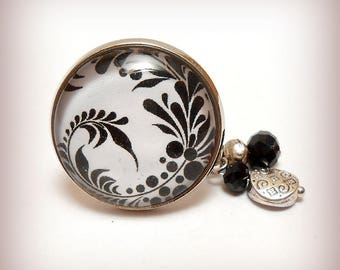 """Ring cabochon glass """"Leaves in black and white!"""""""