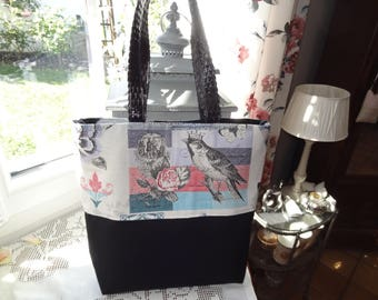 Bag is practical and chic Shabby style guttee Black canvas