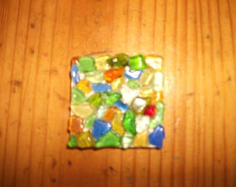 Magnet square with small pieces of glass varnish 4 cm x 4 cm