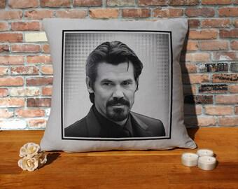 Josh Brolin Pillow Cushion - 16x16in - Grey
