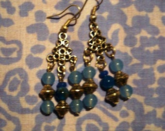 Ethnic earrings in pure wave