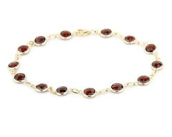 14k Yellow Gold Handmade Bracelet with Round 6mm Garnet Gemstones