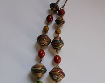 Chain necklace with multicolored paper beads and glass beads