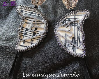"""Earrings embroidered with beads """"music flies"""""""