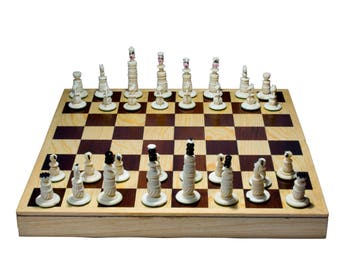"Handmade Chess. 100% Bovine Bone. Foldable Board: 11.8"" x 11.8"""