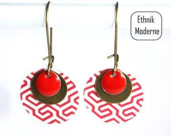 Red and white geometric pattern earrings