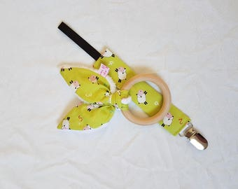 Wooden rattle and pacifier sheep