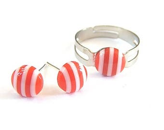 Set earrings studs and red and white striped ring