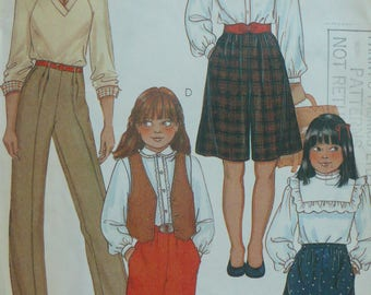 Girls Pants, Knickers, Culottes Pattern, Vintage McCalls 8255 - Size 8