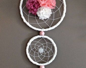Dream catcher 3 circles of white and pink