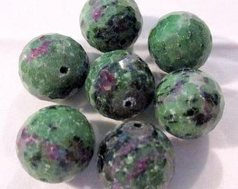Ruby Fuchsite - ref9515 - drilled - faceted - 16mm - 7 x - € 16.99