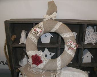 Crown linen hearts and lace