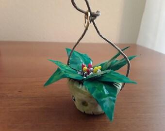 Dollhouse miniature plant/basket/ handmade plants/ miniature decor/dollhouse/scale 1:12/hanging basket/dollhouse furniture