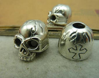 Silver Cross skull pendant