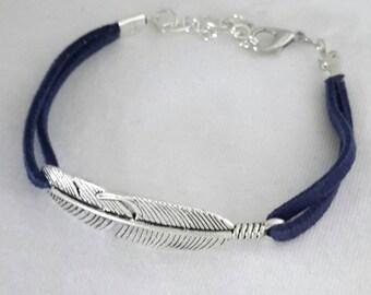 Bracelet silver feather Suede Blue marine OOAK handmade ❤
