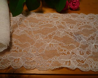 Stretch white lace very fine 16 cm wide