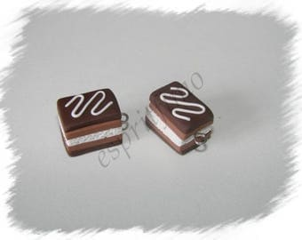 """Chocolate millefeuille"" charm in polymer clay"