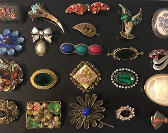 Wholesale, second hand, vintage, brooch collection