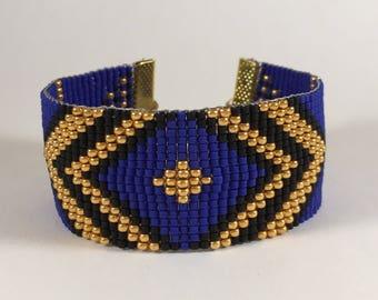Bracelet woven with miyuki beads blue geometric patterns