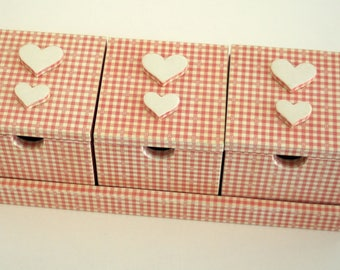 """""""Gingham triptych"""" wooden jewelry box"""