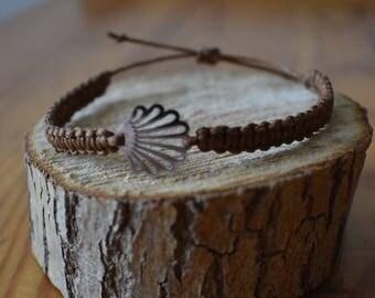 Macrium Bracelet with Shell