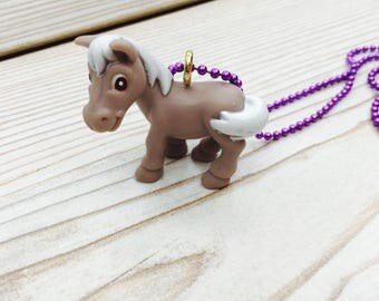 Kitsch pony necklace, cute pony necklace, beige pony pendant, plastic pony necklace, purple chain, kids jewelry, my little pony