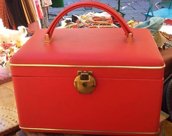 Beauty Case Red 50 years