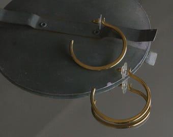 vintage gold hoops / gold earrings / vintage earrings / minimal earrings
