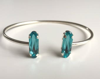 Bangle in silver with turquoise Swarovski crystals