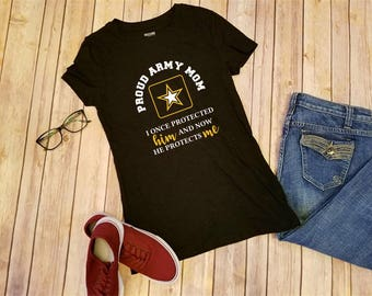 AMC100.1035  T-Shirt, short sleeve; Army Mom, ...protects me.