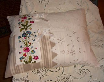 cushion available shabby 40/50 cms, richelieu