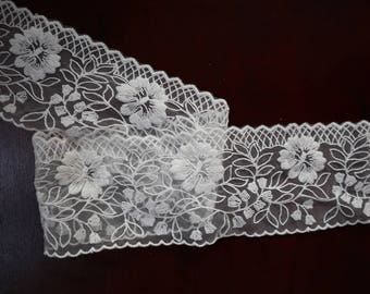 off white Lace Trim lace fabric by the yard, 7 cm with vintage floral embroidered mesh lace trim