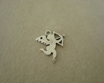 Angel charm with his bow in silver metal