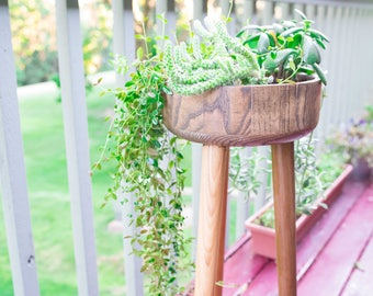 High-level Wooden Planter