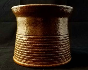 Metallic Copper Stoneware Decorative Pot