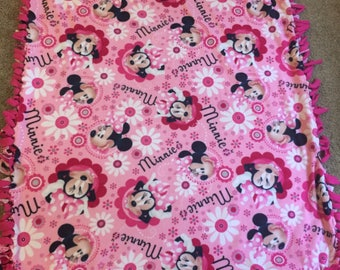 No sew Minnie Mouse blanket